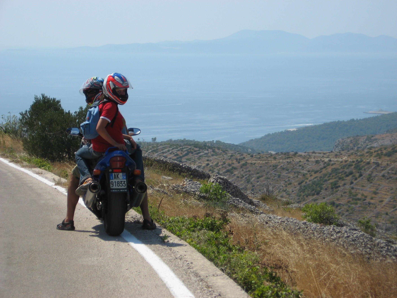 genitori figli in moto
