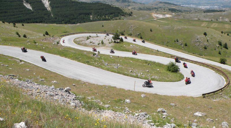 Motociclisti sul Gran Sasso d'Italia