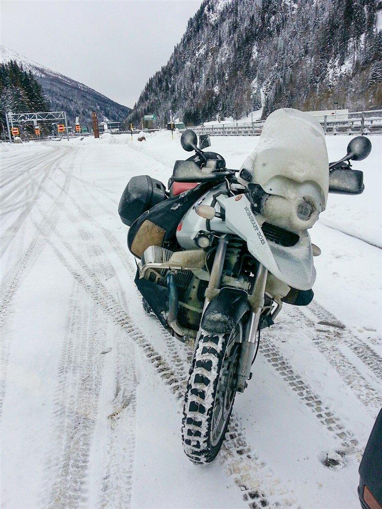 Alberto Pape BMW GS Elefantentreffen neve ghiaccio