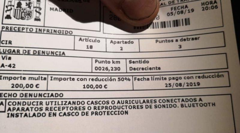 Spagna multa per interfono su casco