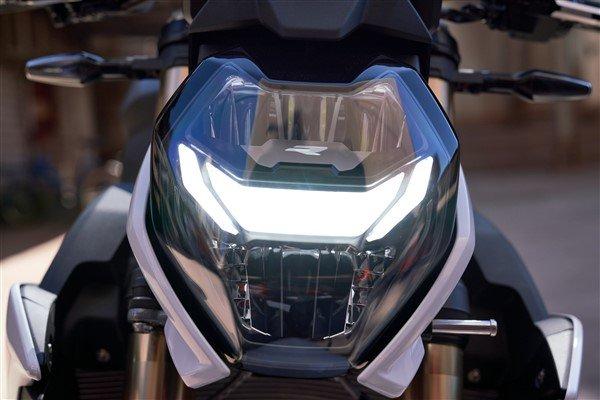 BMW S 1000 R 2021 front light