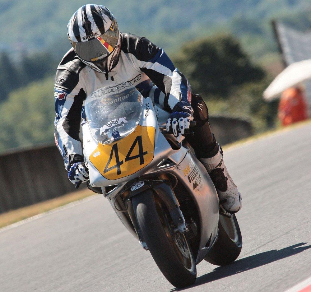 Frenata moto pista Ducati 996