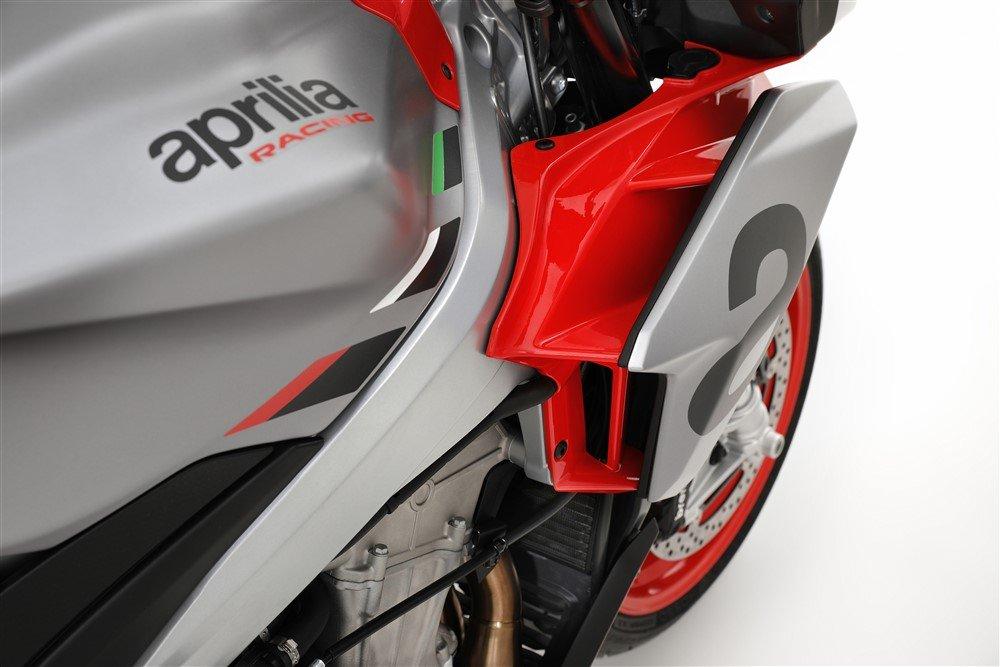 Moto Aprilia Tuono 660 prese d'aria