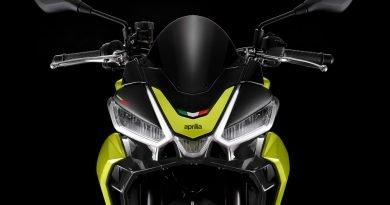 Moto Aprilia Tuono 660
