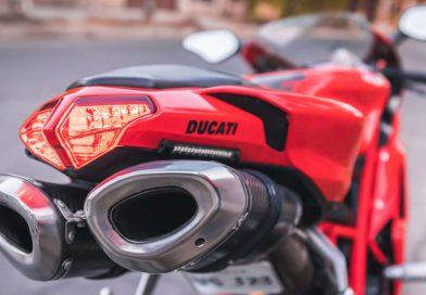Gli scarichi rumorosi salvano i motociclisti? Bugia!