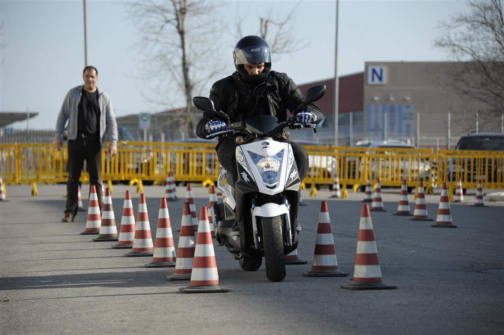 Corso guida scooter