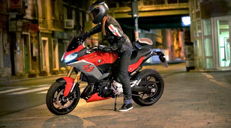 BMW F 900 XR Motociclista