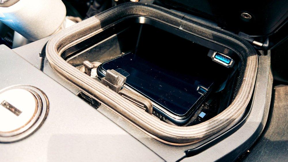 BMW R1250RT 2021 cassetto portatelefono