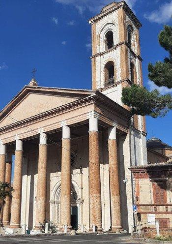 1000 Curve Basilica di San Venanzio