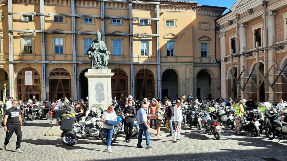 1000 Curve Piazza Cavour Camerino