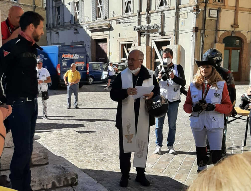 1000 Curve Arcivescovo di Camerino Cromilla